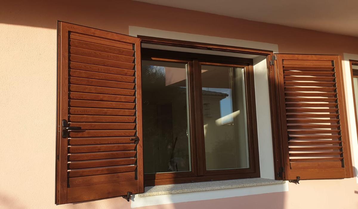 Finestre Con Veneziane Incorporate Prezzi porte e infissi olbia | prezzi imbattibili | il serramento